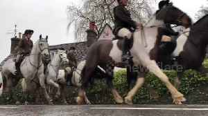 News video: New Year's Day hunt underway in West Sussex town