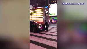 News video: Men Who Hit, Dragged Officer in Times Square Were Doing a Social Media Stunt: Police