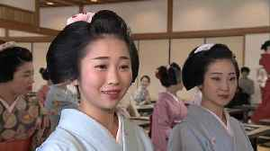 News video: Geisha girls in Kyoto copy Buddhist sutras