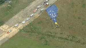 News video: Several injured as hot air balloon makes hard landing in Australia