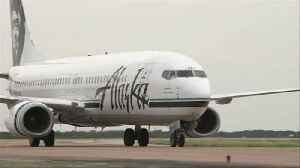News video: A Naked Passenger Caused an Alaska Airlines Flight to Turn Around