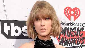 News video: Taylor Swift TEASES Reputation Tour & Prevents Music Leaks by Doing THIS