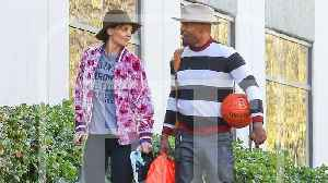 News video: Jamie Foxx and Katie Holmes Hit the Gym Together for Valentine's Day (Exclusive)