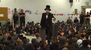 News video: Hundreds of Kids Dress up as Abraham Lincoln in World Record Attempt