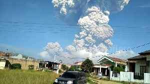 News video: Indonesian volcano sends out plume of ash 5,000m into sky