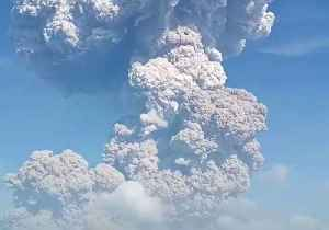 News video: Ash Rises From Indonesia's Sinabung Volcano Following Eruption
