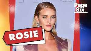 News video: Rosie Huntington-Whiteley's $57,000 outfit made Zayn Malik blush