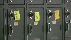 California Students Post Notes of Kindness Around School in Wake of Florida Tragedy