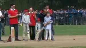 News video: Canada PM Justin Trudeau Plays Cricket With Azhar & Kapil Dev