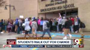 News video: Simon Kenton, Walnut Hills students walk out of classes to protest gun violence