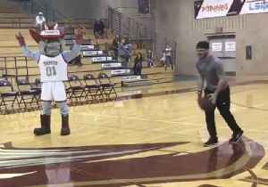 News video: College Senior Wins $25,000 After Landing 4 Baskets in a Row