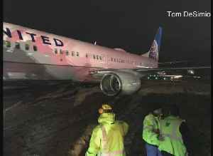 News video: United Flight Goes Off Runway In Green Bay; Flight Was Headed To MSP