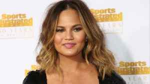 News video: Chrissy Teigen Flew With An 'Emotional Support Casserole'
