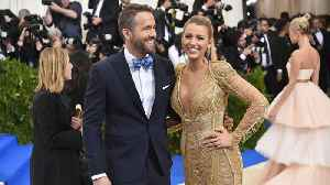 News video: What Blake Lively And Ryan Reynolds's Body Language Says About Their Relationship