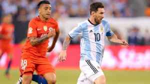 News video: Stuart Holden: World Cup win in 2018 would cement Messi as the greatest player of all time