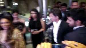 News video: Shah Rukh Khan Gauri Khan Together At Hello Hall Of Fame Awards 2018