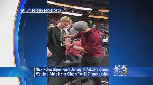 News video: Nick Foles Signs Eagles Fan's Jersey At Pac 12 Championship