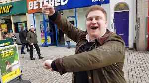 News video: Ruby Tuesday: Cheltenham lads chant on high-street on race day