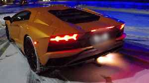 News video: Lamborghini Shoots Spikes Of Flame From Exhaust Pipe
