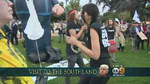News video: Both Sides Come Out Calmly Ahead Of Trump's Beverly Hills Fundraiser