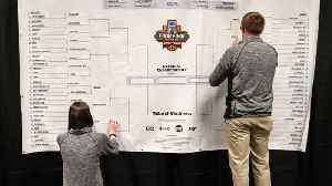 News video: No Clear Favorite in 2018 March Madness Tournament