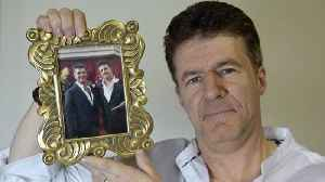 News video: Look-cowell-like! Granddad looks so much like Simon Cowell that he's stopped for selfies wherever he goes