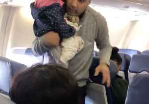 News video: Passengers Travelling With Small Child Taken Off Southwest Flight From Chicago to Atlanta