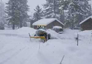 News video: Truckee Resident Uses Heavy Equipment to Clear Fresh Snow from Driveway