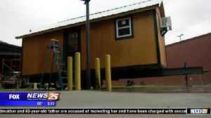 News video: First class in the state to build a tiny house