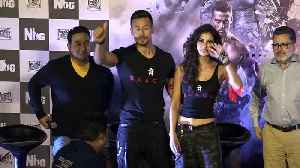 """News video: """"Baaghi 2"""" Promotion   Tiger -Disha Dances their heart Out"""