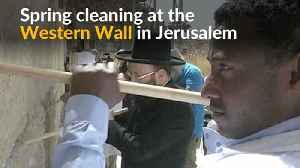 News video: Cleaners take out thousands of notes to God at Jerusalem's Western Wall