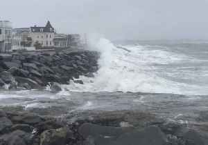 News video: Waves Crash on Jersey Shore During Nor'easter