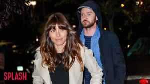 News video: Justin Timberlake and Jessica Biel are freezing their butts off