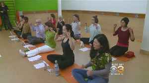 News video: Study: 'Face Yoga' Can Make Middle-Aged Women Look Younger