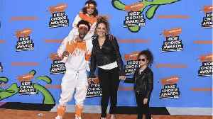News video: Mariah Carey & Nick Cannon Wear Matching Clothes