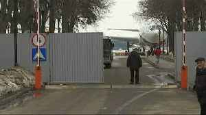 News video: Diplomats on the move as Russians and Americans return home