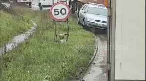 News video: Impatient UK driver does U-turn and drives wrong way along verge to skip queue
