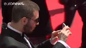 News video: Cannes film festival bans red carpet selfies