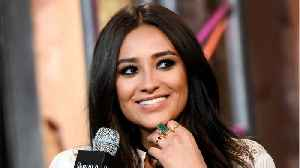 News video: 'Pretty Little Liars' Star Accused Of Posting Fake Vacation Photos