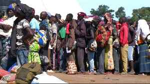 News video: Thousands flee fighting in eastern DR Congo to Uganda