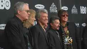 News video: Bon Jovi Performs On Stage At Rock & Roll Hall Of Fame Induction