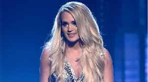 News video: Carrie Underwood Returns To The Stage After Fall
