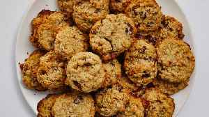 News video: How to Make Oatmeal-Chocolate Chip Cookies