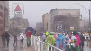 News video: Spectators Stand Out In The Cold, Inspired By Marathon Runners