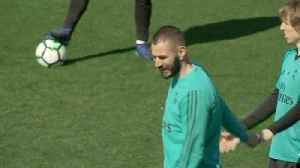 News video: Benzema has to overcome block to score goals