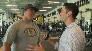 News video: FIU Football Player Lifts His Way to Twitter Fame