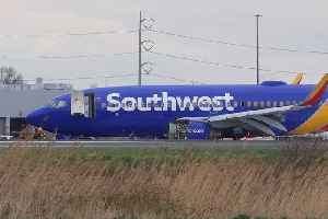 News video: Southwest Airlines Flight Makes Emergency Landing After Engine Blows Apart