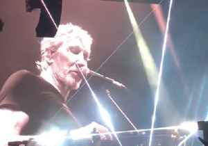 News video: Roger Waters Says Syrian White Helmets are 'Fake Organization' at Barcelona Concert