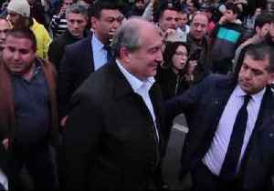 News video: President Armen Sarkisian Visits Protesters, Speaks with Opposition Leader During Yerevan Rally