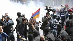 News video: Mass detentions in Armenia as police fail to quell anti-Sargsyan protests